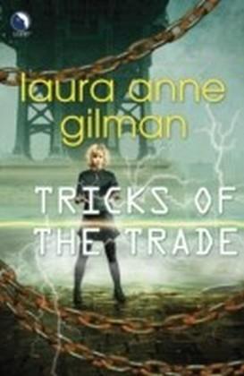 Tricks of the Trade (Luna) (Paranormal Scene Investigations - Book 3)