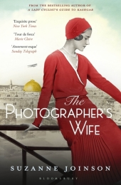 The Photographer's Wife Cover