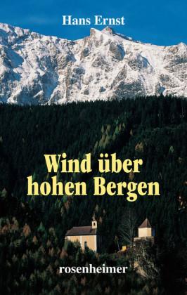 Wind über hohen Bergen